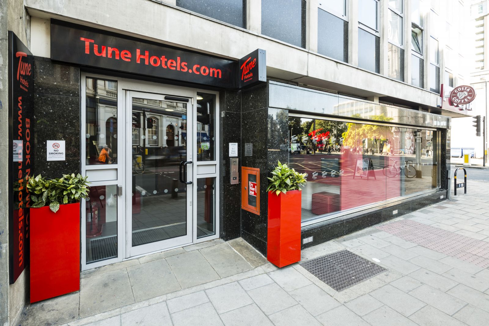 Tune Hotel - TripTide