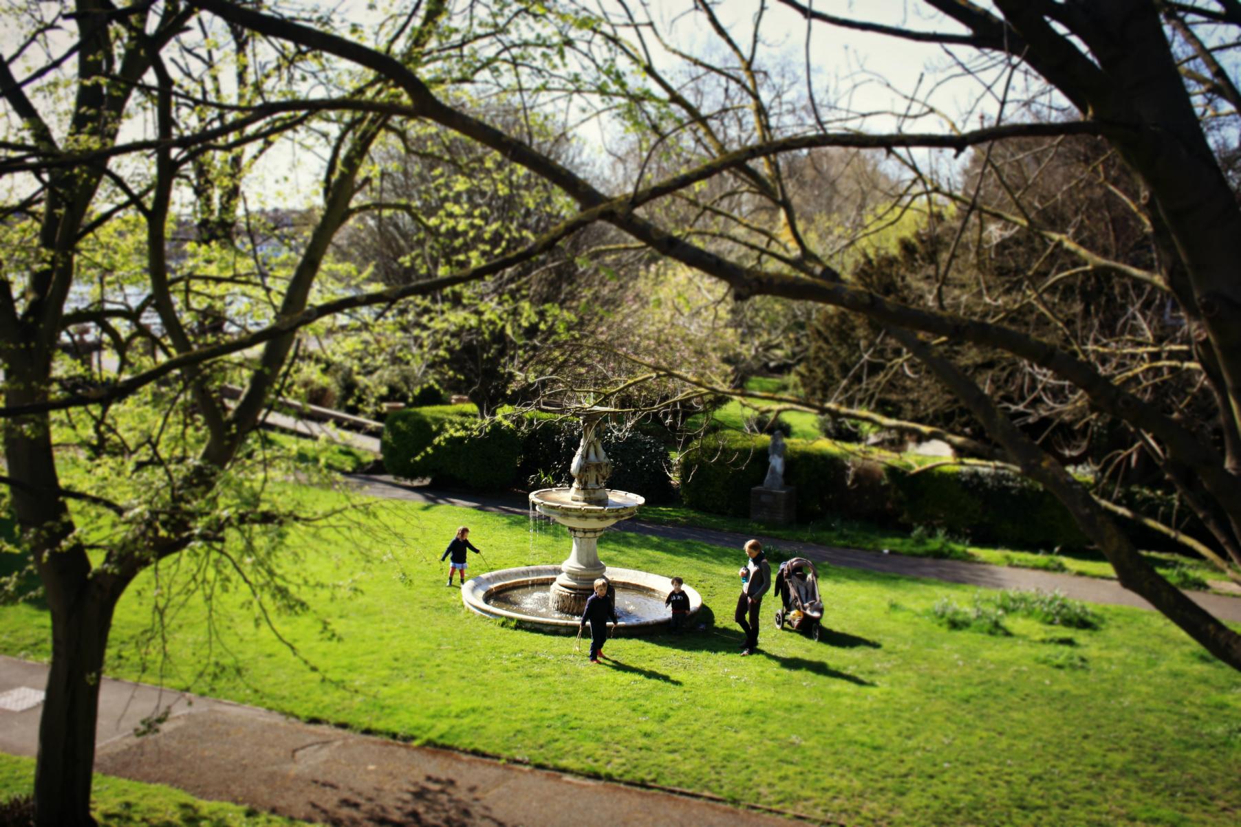 Secret Gardens Of London Triptide