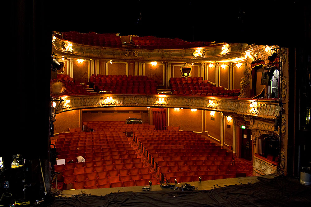 the apollo theater - 1000×667