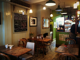 <p>Blue Mountain Caf&eacute; - <a href='/journals/blue-mountain-cafe'>Click here for more information</a></p>