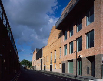 <p>Newport Street Gallery - <a href='/triptoids/newportstgallery'>Click here for more information</a></p>