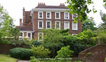 <p>A Day Out in Hampstead - <a href='/articles/hampsteadheath'>Click here for more information</a></p>