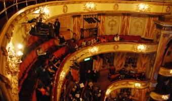 <p>Novello Theatre - <a href='/triptoids/novello-theatre'>Click here for more information</a></p>